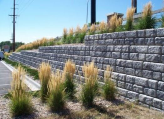 am image of a retaining wall in livermore, ca
