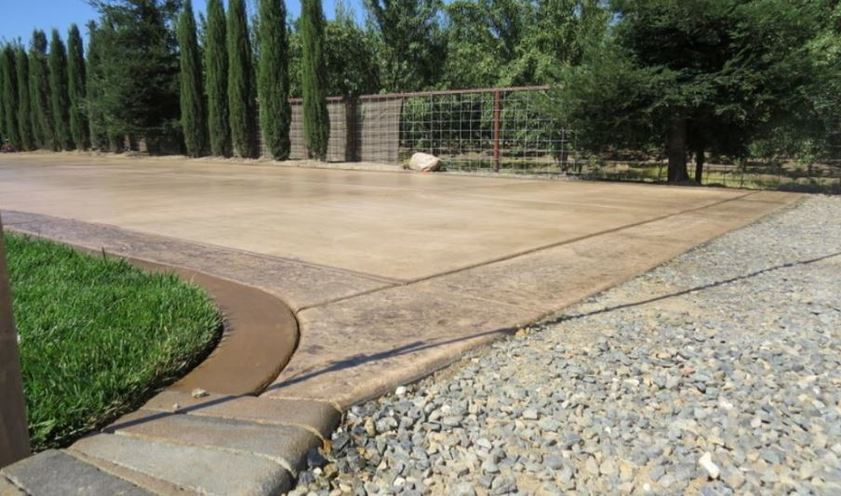 an image of a concrete driveway installation in tracy, ca